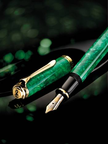Pelikan M600 Vibrant Green Fountain Pen
