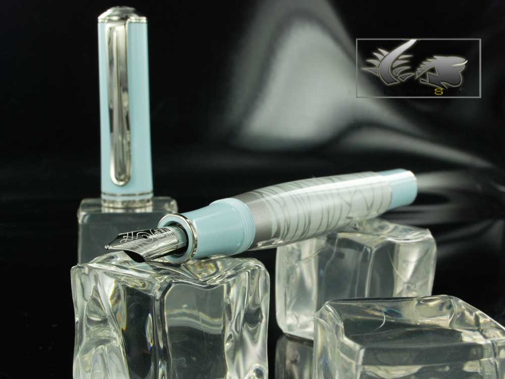Pelikan Eternal Ice Fountain Pen