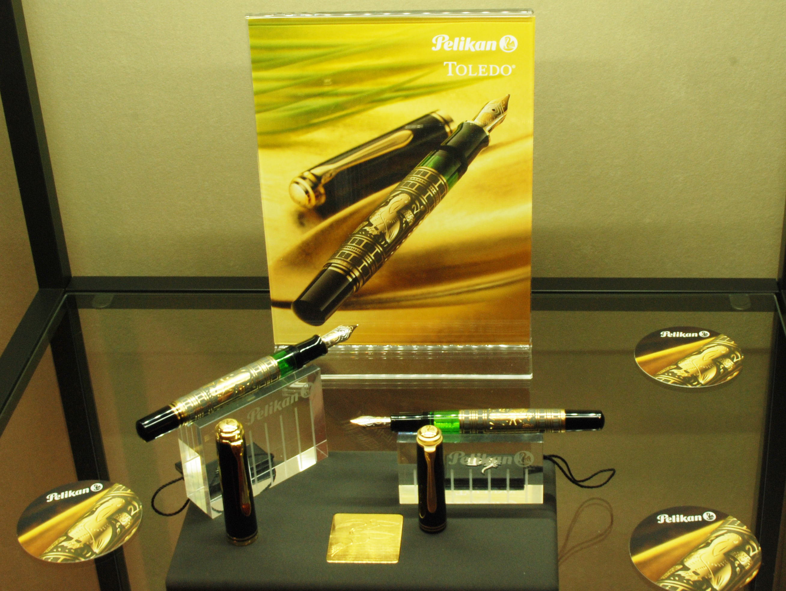 Pelikan Exhibition at Iguana Sell