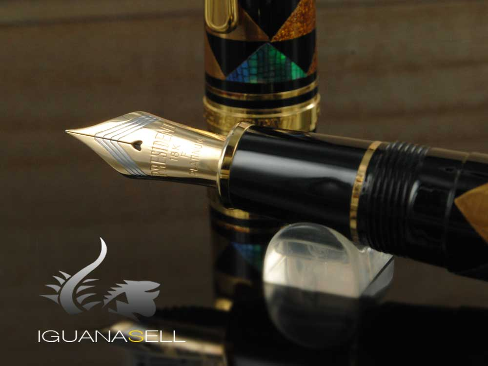 Platinum Urushi Maki-e Fountain Pen Resin and urushi lacquer Gold trim